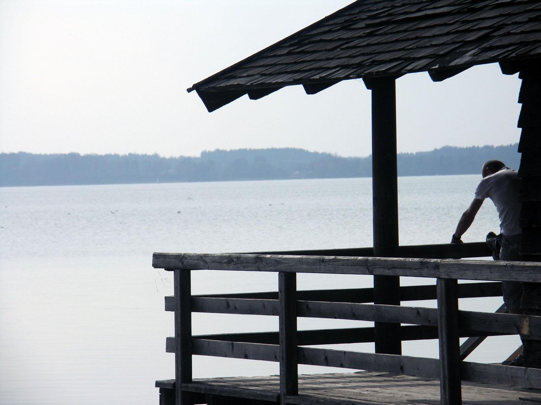 Auch ein Badehaus gehört zum Gut Ising. Foto: Landwehr