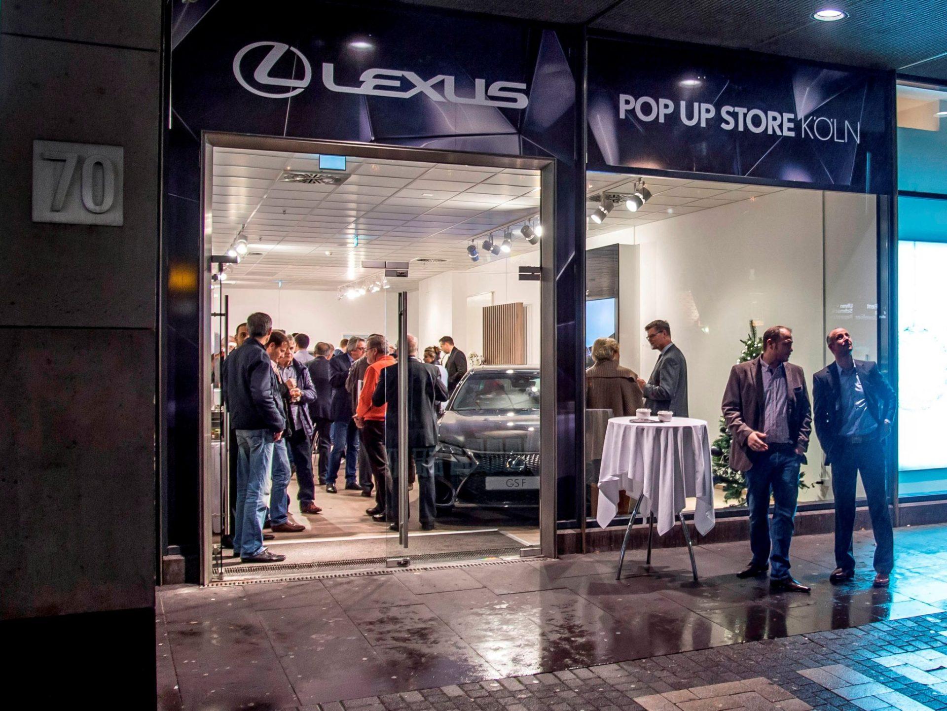 Lexus popt in der Kölner Innenstadt auf 2