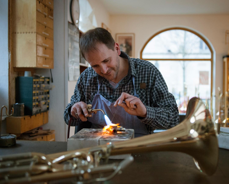 Christoph Endres aus Nürnberg baut Blechblasinstrumente