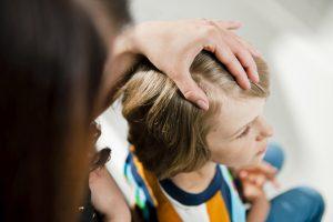 Kopflaus-Behandlung