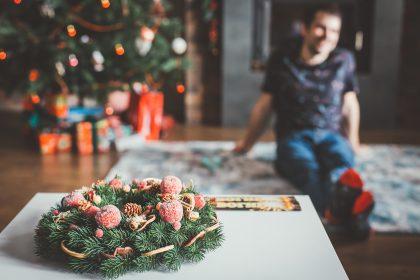 Silvester daheim: Männer setzen auf lässige Eleganz und bekennen Farbe 10